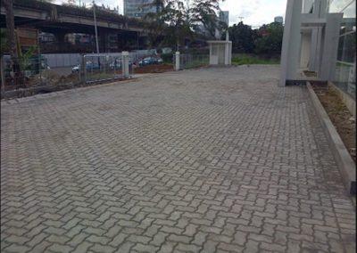 Paving Block Model Cacing Proyek Showroom Ford Jl. TB Simatupang