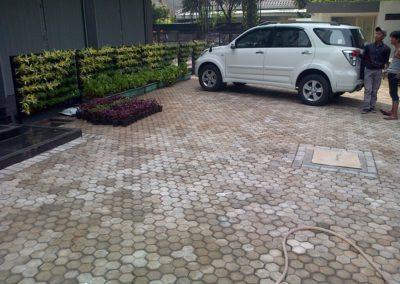 Paving Block Model Segi Tiga Proyek Area Parkir Gedung Jl. Guntur